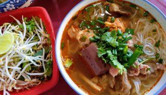 Món Ăn Đặc Trưng Thơm Ngon Của Người Dân Huế